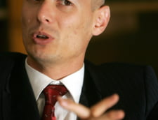 Fostul viceguvernator BNR Bogdan Olteanu a fost condamnat la 7 ani de inchisoare si ramane fara 1 milion de euro