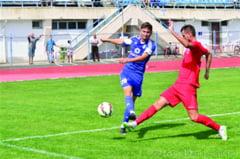 Fotbal, Liga a II-a CSM a dominat Pandurii