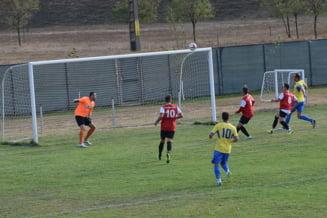 Fotbal/ Liga a IV-a: Asteptand tragerea