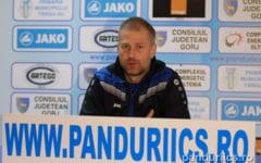 """Fotbalistii de la Pandurii nu si-au mai luat salariile din luna decembrie. Antrenorul Edward Iordanescu: """"Aveam sansa noastra la titlu"""""""