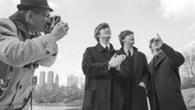 Fotografii rare cu formatia Beatles, publicate pentru prima data