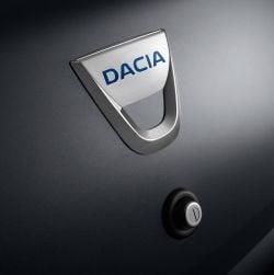 Francezii ameninta cu mutarea uzinei Dacia in Maroc