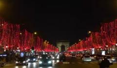 Francezii au continuat protestele si in ziua de Craciun. Parisul a fost paralizat