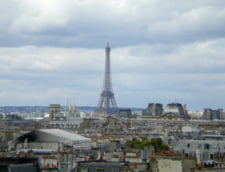 "Francezii baricadeaza turnul Eiffel cu ziduri ""impenetrabile"" de 6,5 metri"