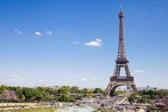 Francezii schimba culoarea Turnului Eiffel dupa 50 de ani