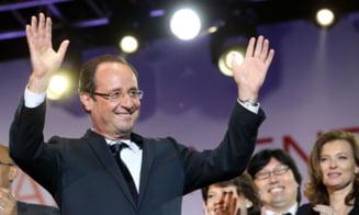 Francois Hollande l-a felicitat pe Klaus Iohannis si l-a invitat la Paris
