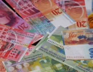 Francul elvetian explodeaza, reactii politice: Conducerea BNR audiata, Ponta cere solutii