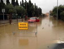 Franta: Cod rosu de intemperii, mii de evacuari