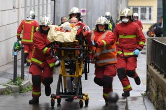 Franta: Compania unde lucrau persoanele ranite cu o arma alba a produs un documentar despre atacurile contra Charlie Hebdo