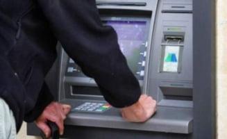 Franta: Hotii romani au furat zeci de mii de euro din bancomate