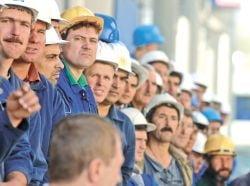 Franta: Inca 150 de meserii, liberalizate pe piata muncii pentru romani