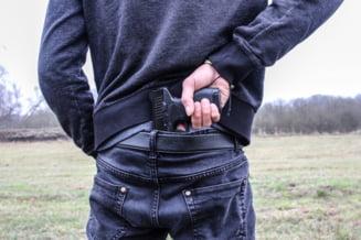 Franta: jaf armat si ostatici amenintati cu Kalasnikovul la supermarket