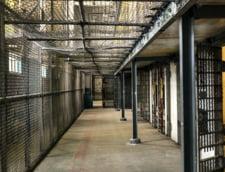 Franta instaleaza telefoane in celulele penitenciarelor