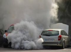 Franta se opune demersului Comisiei Europene de a elimina masinile poluante din 2035