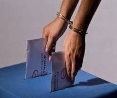 Fraudezi la vot? Platesti! Inca doi urmariti penal pentru fraude la referendum