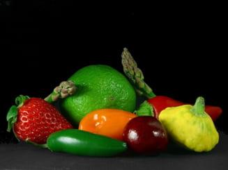 Fructele si legumele repara tot ce strica sarmalele si piftia