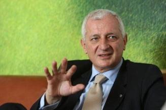 Frunda: Basescu, un presedinte autoritar tip Ceausescu