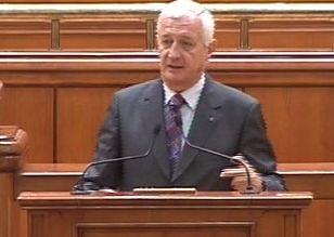 Frunda: Fac apel la politicieni sa respecte principiile Constitutiei si sa nu comaseze alegerile