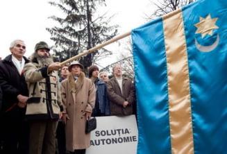 Frunda: Ponta va legaliza arborarea steagului secuiesc pe cladirile publice
