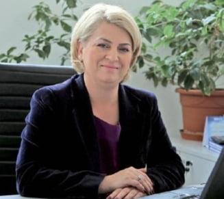 Fugarul Ghita, simultan la patru televiziuni si la o ora de maxima audienta: Sefa TVR chemata sa dea explicatii in Parlament