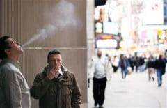 Fumatorii si obezii, taxati mai mult pentru asigurarile de sanatate