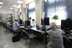 Functionarii publici, angajati si dupa pensionare - proiect de lege