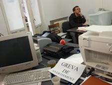 Functionarii publici ameninta cu greva generala