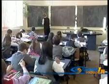 Funeriu: Festivitatile de inceput de an scolar vor incepe cu intonarea imnului