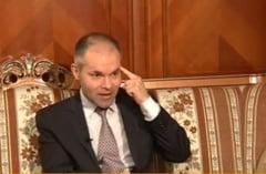 Funeriu: Ponta minte cum respira, stie sa minta bine