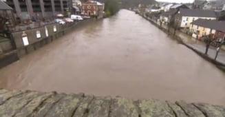 Furtuna Dennis continua sa faca ravagii in Europa: Cinci oameni au murit (Foto&Video)