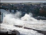 Furtuna in Marea Britanie: Portul din Dover este inchis, iar transportul perturbat