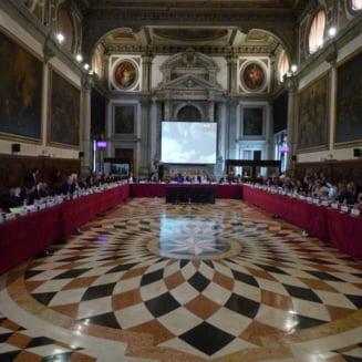 Furtuna vine de la Venetia: raportul privind legile justitiei va fi foarte critic si va aparea la inceputul lui iulie (surse)
