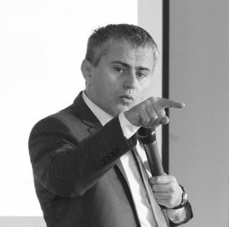 Gabriel Biris: Declaratia lui Teodorovici despre permisele de munca ii putea frange cariera politica, dar e parte dintr-un plan