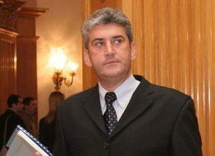 Gabriel Oprea: Am stele de general de la trei presedinti