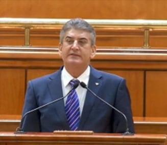 Gabriel Oprea, asteptat sa isi inregistreze oficial demisia la Senat