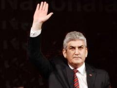 Gabriel Oprea castiga peste 17.000 de lei lunar din pensii speciale. Colectia de bijuterii si tablouri: 60.000 de euro