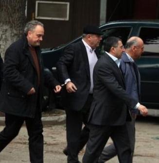 Gabriel Sandu si Nicolae Dumitru, in arest la domiciliu