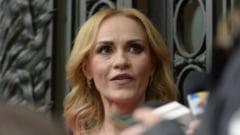 Gabriela Firea: Premierul si ministrul de Finante sa vina grabnic in Parlament cu bugetul de stat intarziat