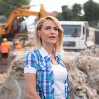 """Gabriela Firea spune ca nu vede motive sa renunte la candidatura pentru Primaria Bucuresti. """"Sunt incercari de a ma destabiliza. Sunt amenintata, filata"""""""
