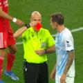 Gafă jenantă a arbitrului împotriva unui jucător din echipa lui Lucescu: l-a eliminat după un singur galben!