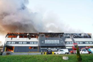Galerie FOTO. Cele mai spectaculoase imagini de la incendiul care se putea transforma intr-un dezastru la Cluj
