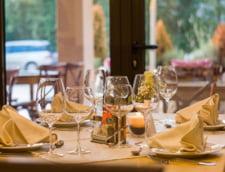 Gandaci si alimente expirate in bucataria unui salon de evenimente din Mamaia