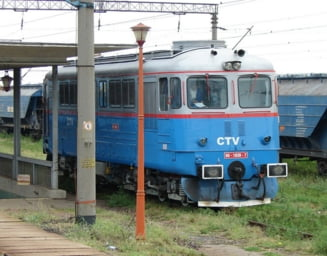 Garile, pericol public: Inca un baiat electrocutat, pe un vagon de tren