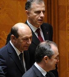 Geoana sustine ca Boc a fortat asumarea raspunderii de dragul lui Basescu