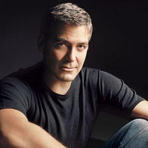 George Clooney a angajat un spiritist pentru a intra in contact cu porcul sau mort