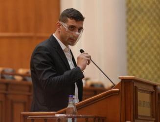 """George Simion anunta ca deputatii AUR parasesc plenul unde e dezbaterea """"Ora prim-ministrului"""": """"Trebuie sa dam solutii romanilor, nu circ"""""""