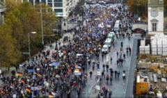 Germania: manifestatii la Berlin pentru a cere UE sa aiba grija de refugiati. La Dusseldorf, proteste fata de restrictiile anti-Covid