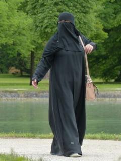 Germania face primul pas spre interzicerea oficialilor publici si soldatilor sa poarte valul islamic