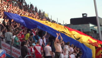 Gest minunat al olandezilor: Au afisat un drapel urias al Romaniei la un meci de fotbal