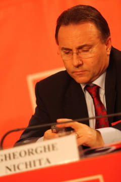 Gheorghe Nichita, primar de 12 ani la Iasi, a taiat teii din oras si a fost in atentia DNA din 2006